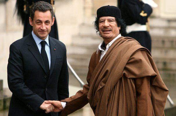 Kadhafi et Sarkozy à Paris