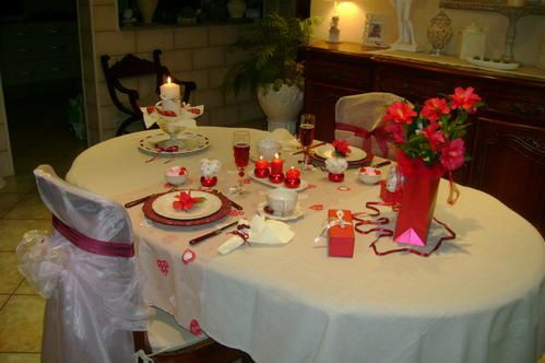 Table st valentin mordue de d co for Decoration porte st valentin