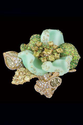 jewellery-4-ros93005_301573141_north_318x478.jpg