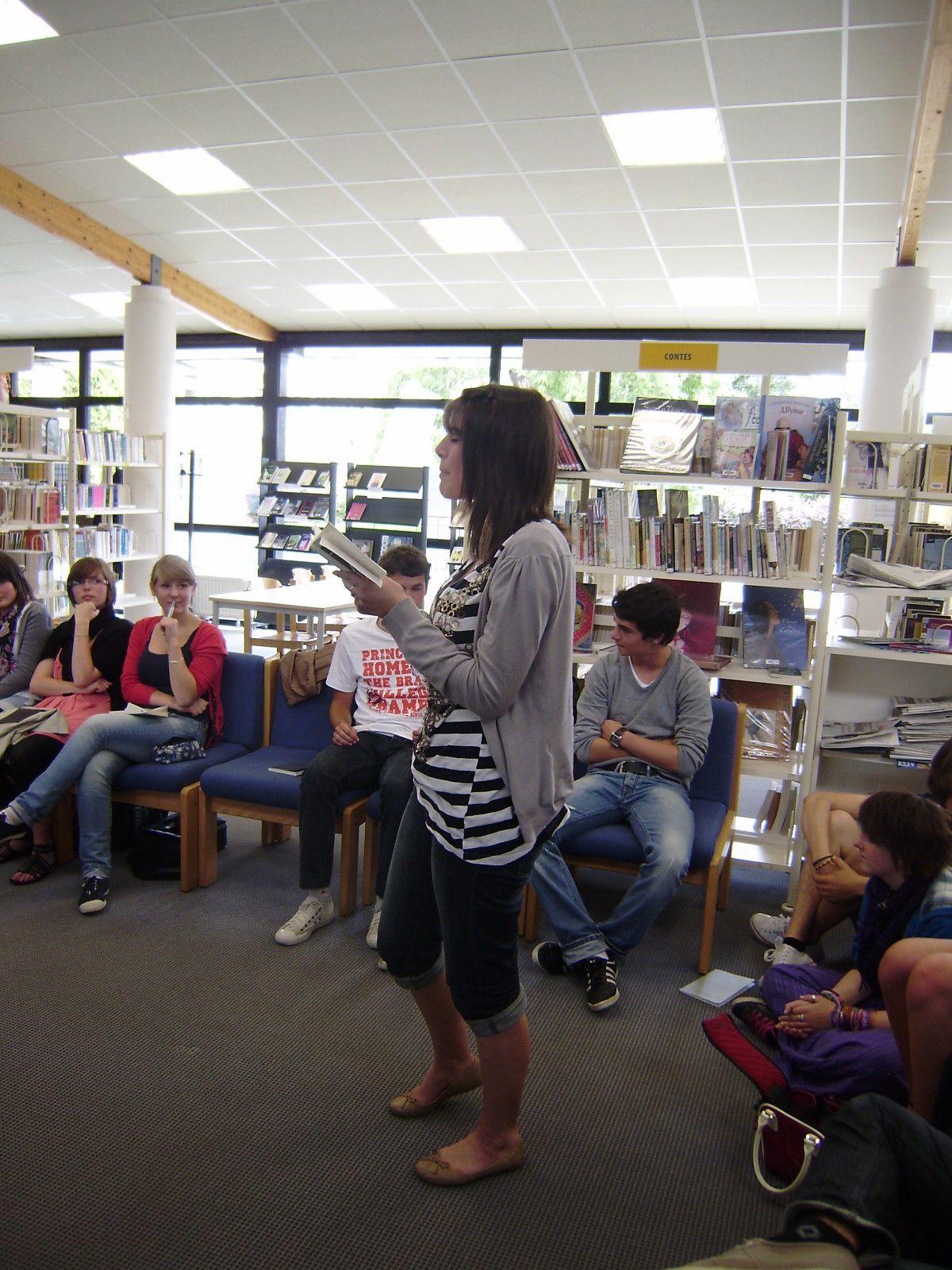 Le 9 juin 2011, les 1L du lycée de l'Iroise ont fêté en musique et en poésie la fin de la saison 3 d'i-voix.