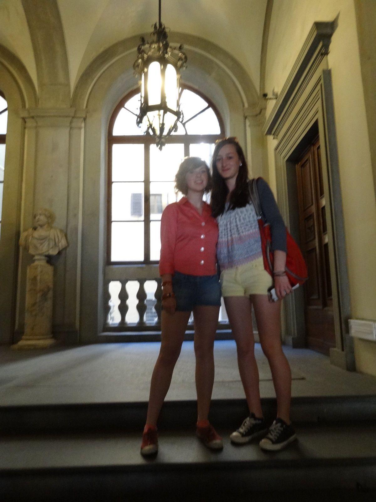 Mars 2012, 44 Premières L de l'Oroise découvrent la Toscane, berceau de la Renaissance et de l'humanisme : Livourne, Pise, Lucques, florence, Sienne.