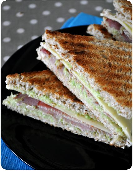 Sandwich-avocat-bacon-copie-1.jpg