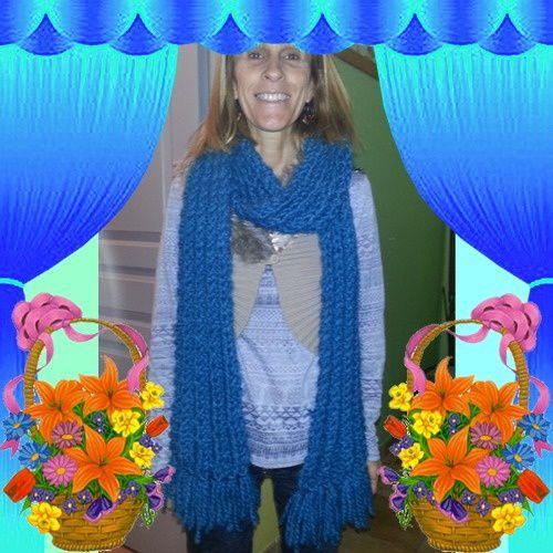 écharpe bleu de Nadine
