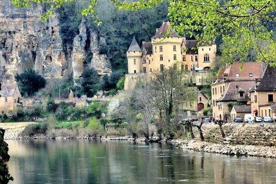 les cent plus beaux villages de france