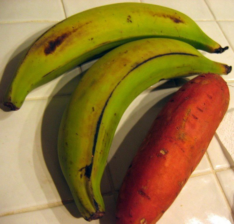 Bananes plantain et patates douces
