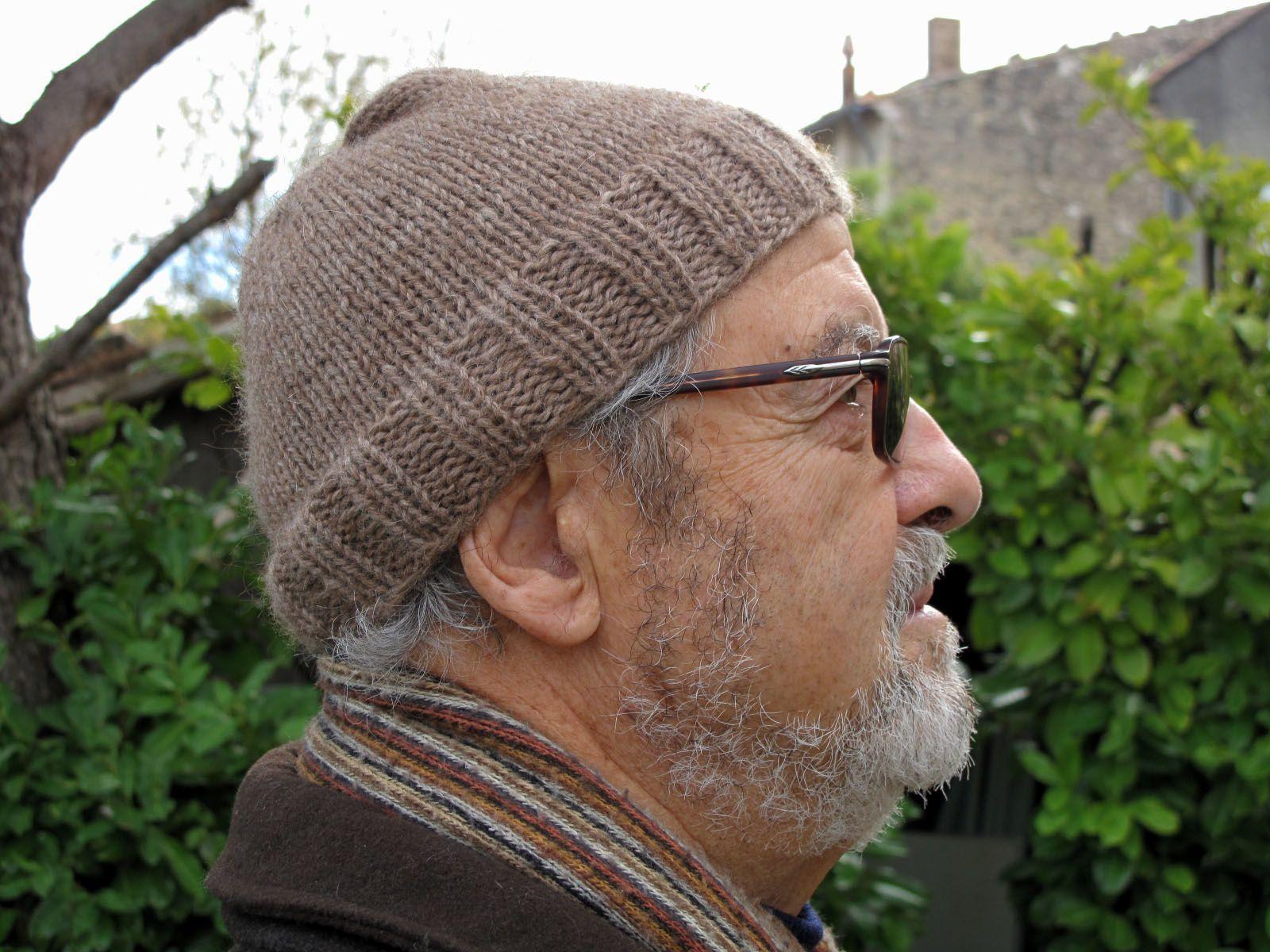 Bonnet a tricoter pour homme modèle de bonnet femme à tricoter ... 6101d0ed4d9