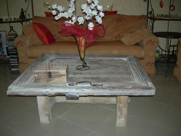 Creer une table de salon avec une vieille porte de grange pyreneenne les at - Table de salon ancienne ...