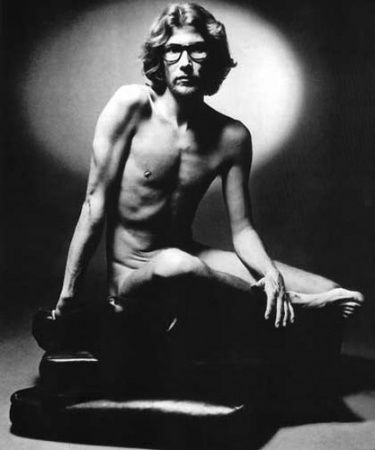 yves_saint_laurent_1971.jpg