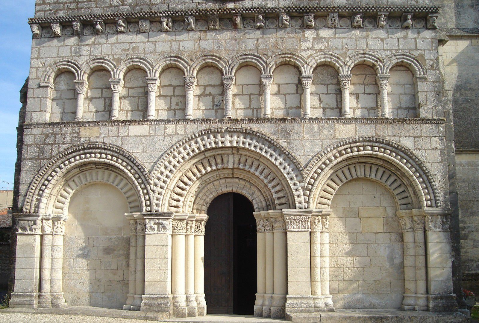 Roman architecture related keywords for Architecture romane