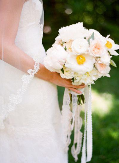 bouquet-mariee-dentelle.jpg