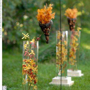 deco-ceremonie-exterieure-fleurs-pendues-crochet.jpg