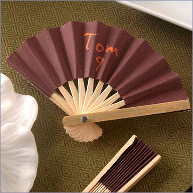 fan-wedding-favors-13490.jpg