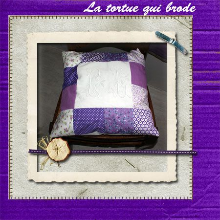 coussin_patch_violet.jpg