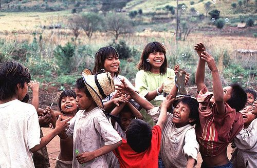 brazil-guarani-children-enjoy-bubbles.jpg
