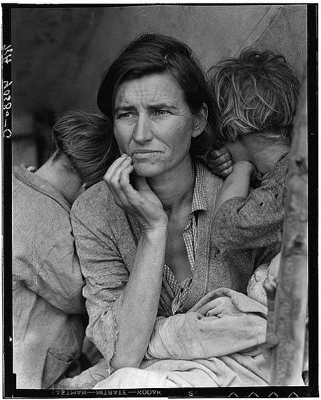 Photo-Dorothea-Lange_migrant-mother-Group-f-64.jpg