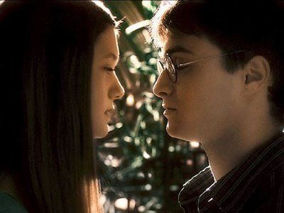 daniel radcliffe and bonnie wright is about to kiss