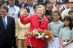 hillary-in-indonesia.jpg