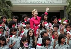 hillary-in-indonesia2.jpg