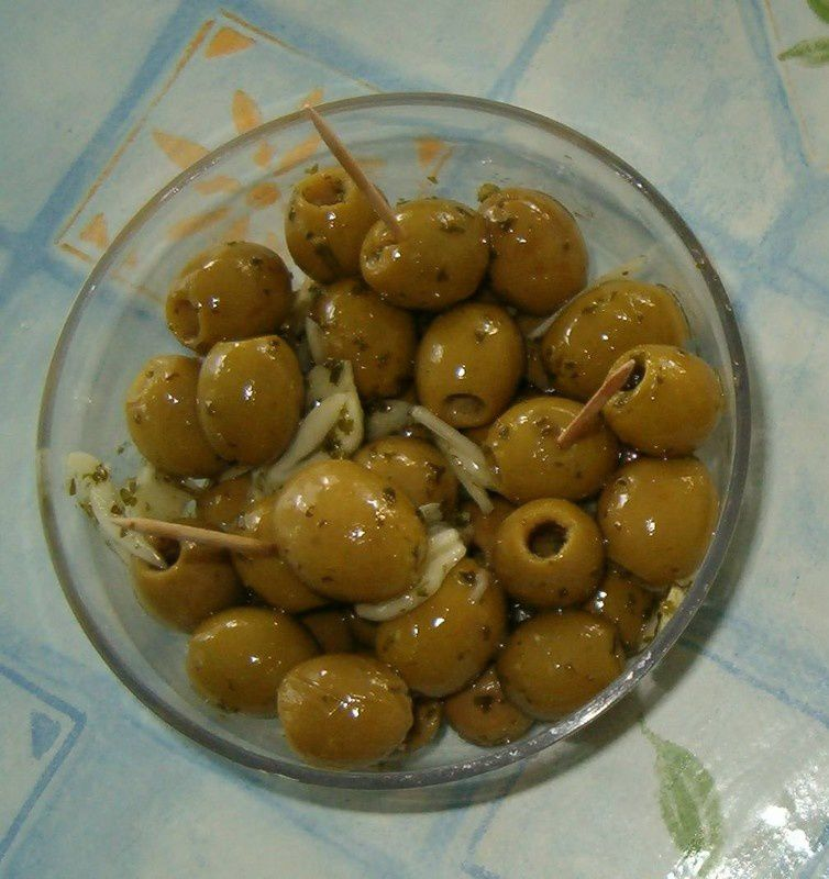 olives_ail