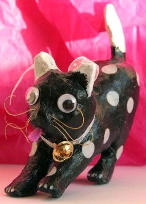 decoration-dun-chat-en-papier-mache-0.jpg
