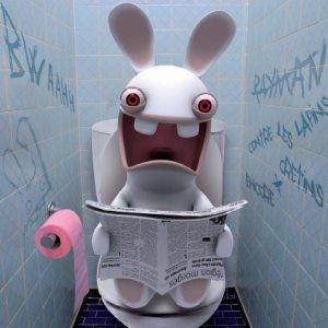 lapin_cretin_toilettes.jpg
