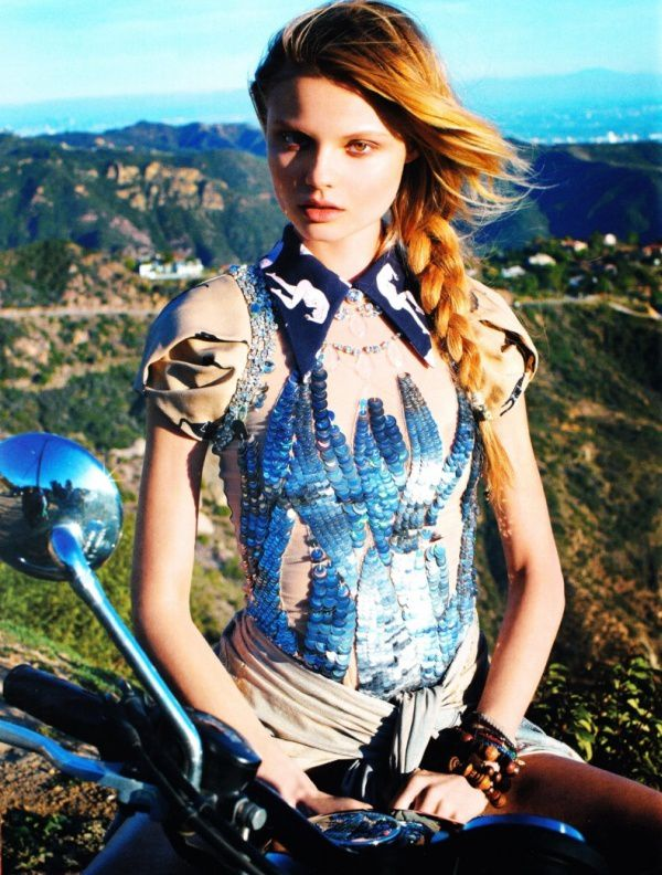 2011 girls on bikes magdalena frackowiak 001 fashiongonerog