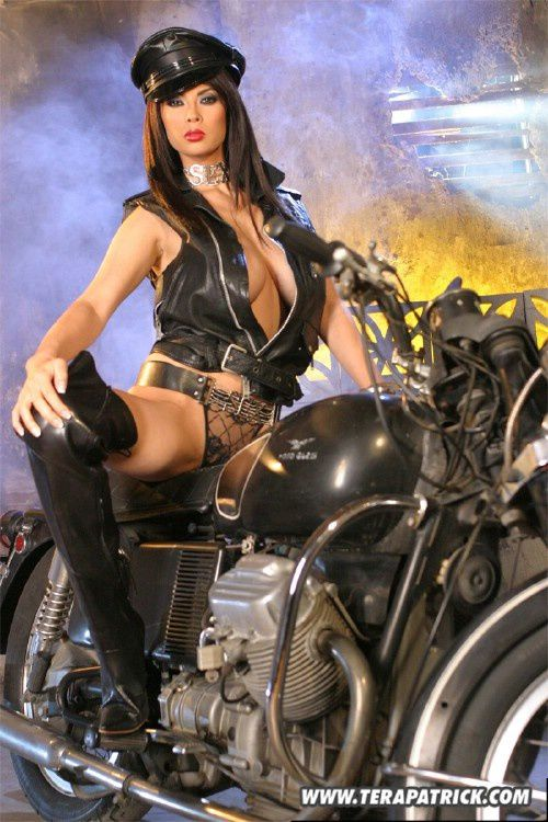 2011 girls on bikes Tera Patrick 001 www.TeraPatrick.com