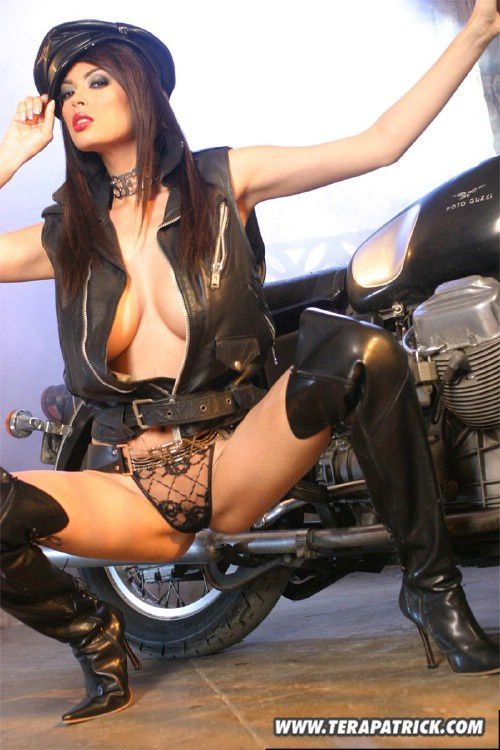2011 girls on bikes Tera Patrick 004 www.TeraPatrick.com