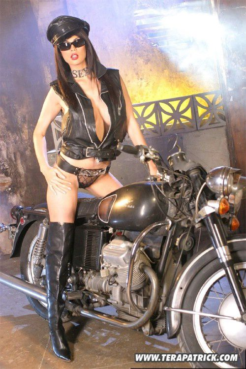 2011 girls on bikes Tera Patrick 005 www.TeraPatrick.com