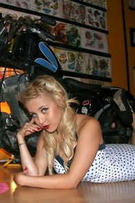 2012-glory-arguello-pin-up-sesion-for-Kustom-Cherries-004-t