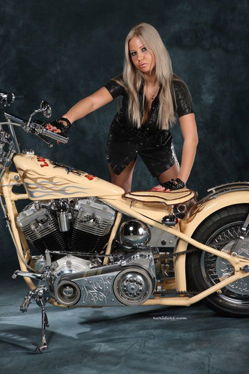 2012 biker chicks hot blonde 005 ruriders.com