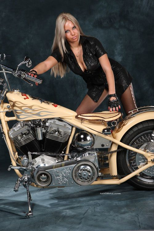 2012 biker chicks hot blonde 006 ruriders.com