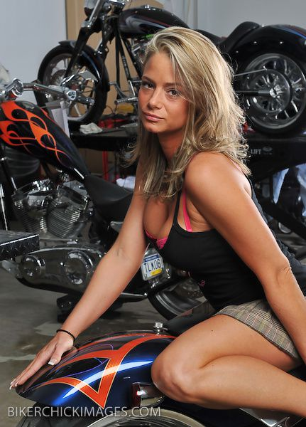 2012 biker hotties Danielle 004 bikerchickimages.com
