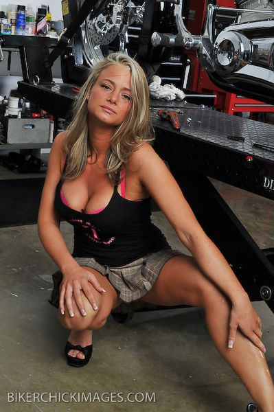2012 biker hotties Danielle 005 bikerchickimages.com