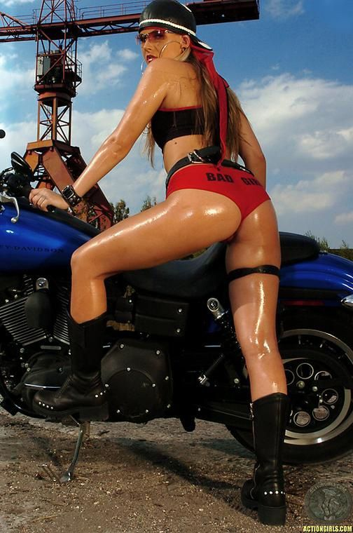 2012 girls on bikes shane 002 www.actiongirls.com