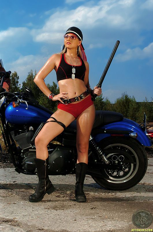 2012 girls on bikes shane 006 www.actiongirls.com