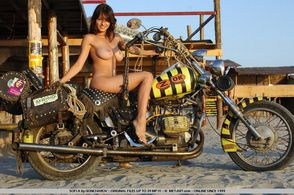 2013-temporis-sofi-a-bike-goncharov-001-met-art.com-s