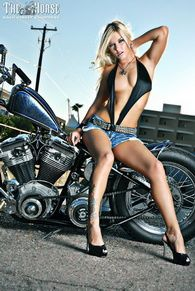 back-street-choppers-n99-2010-june-stephanie-pietz-002-theh