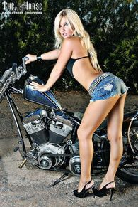back-street-choppers-n99-2010-june-stephanie-pietz-004-theh