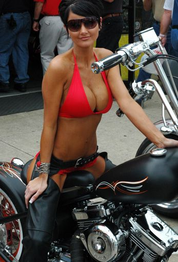 girls_on_bikes_0442.jpg