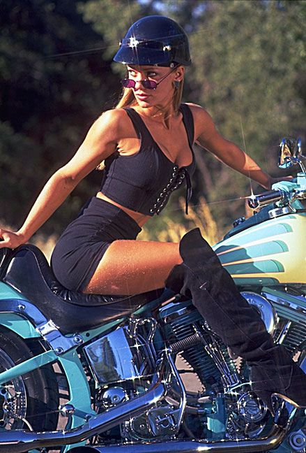 girls_on_bikes_0457.jpg