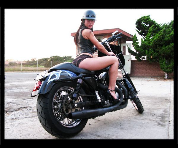 girls_on_bikes_0481.jpg