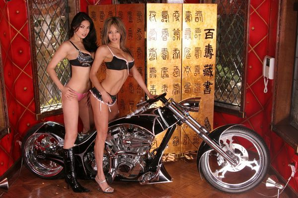 girls_on_bikes_0484.jpg