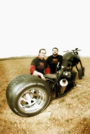 2012 builders Chus and Pako 002 www.morlakokustom.es