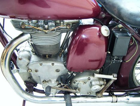 1949_Indian_Arrow_Vertical_Engine_02.jpg