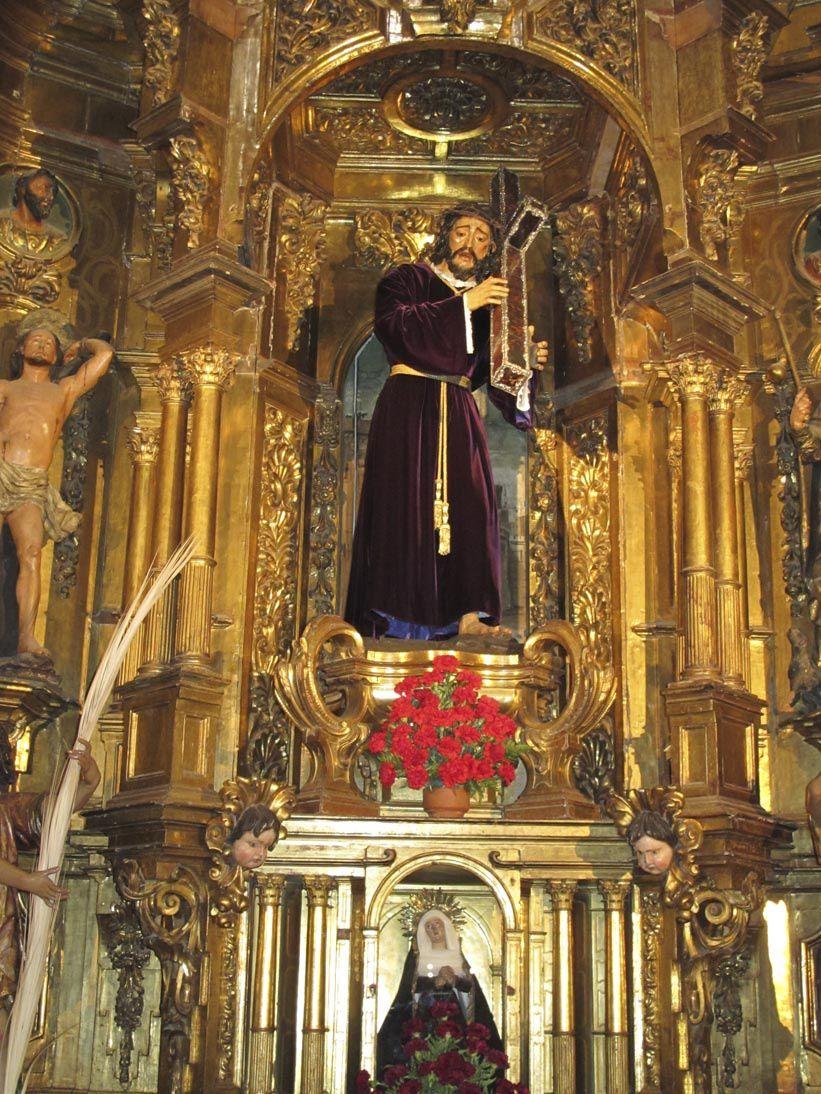 Casa de Pilatos : en 1521 Don Fadrique de retour de Jérusalem instaura 1 chemin de croix entre son palais et l'église de la Cruz del Campo. La distance serait la même que celle entre la maison de Ponce Pilate et le mont Golgotha. Art mudéjar.