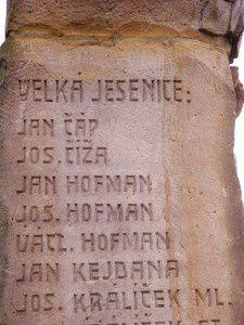 Le monument aux morts c