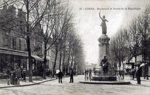 2-Statue-Republique--CP-1907-.jpg