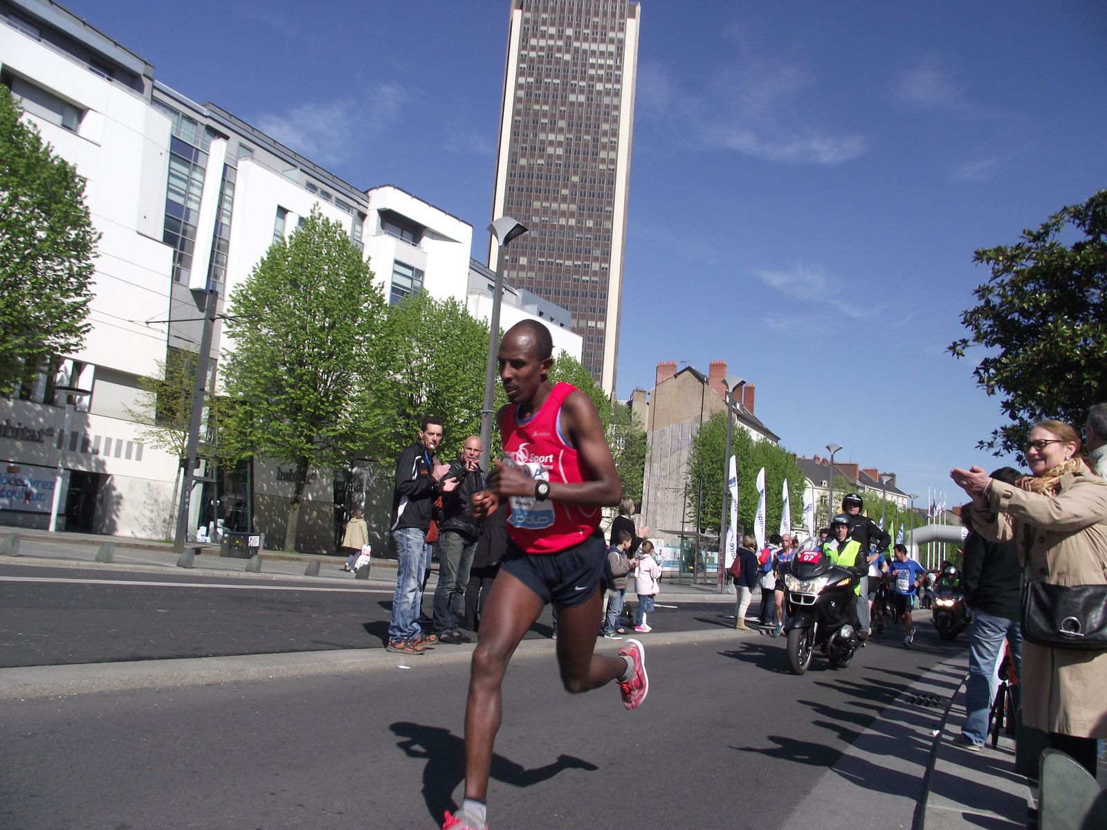 marathon de nantes un ethiopien en remplace un autre running club croisicais. Black Bedroom Furniture Sets. Home Design Ideas