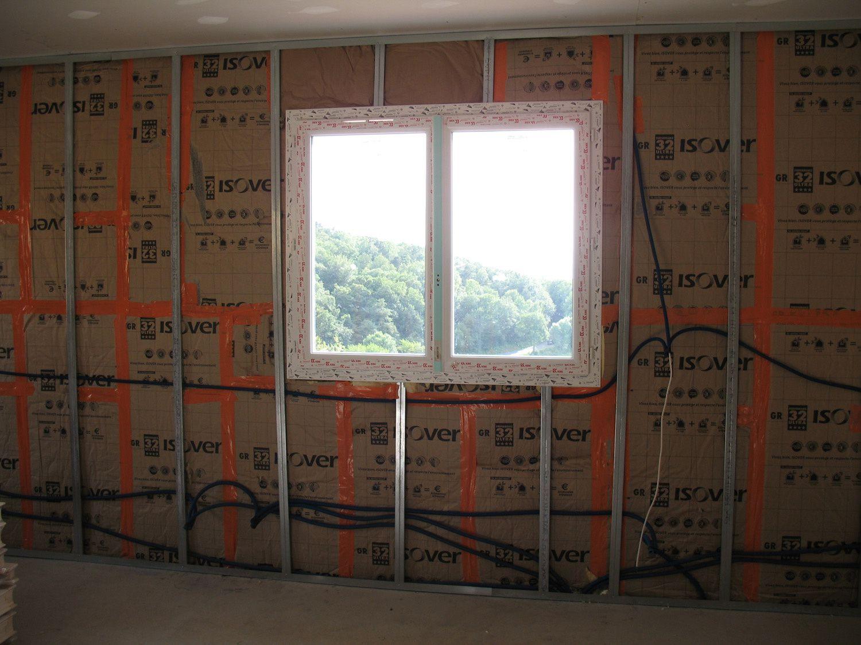 2 passage des gaines lectriques l 39 tage notre maison grammond. Black Bedroom Furniture Sets. Home Design Ideas